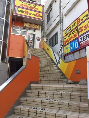 三沢店(青森)店カラオケルームや外観3