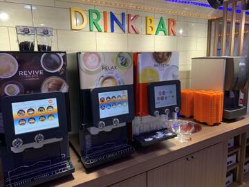 江坂駅前店(大阪)店カラオケルームや外観2